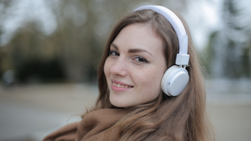 5 Reasons Listening To Audiobooks Counts as Reading