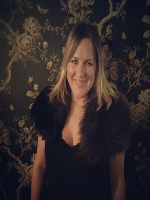An Interview With Robyn Hollingworth Cover
